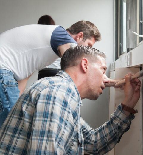 Novus apprentices make homeless shelter feel like home
