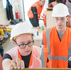 attracting women to construction apprentices