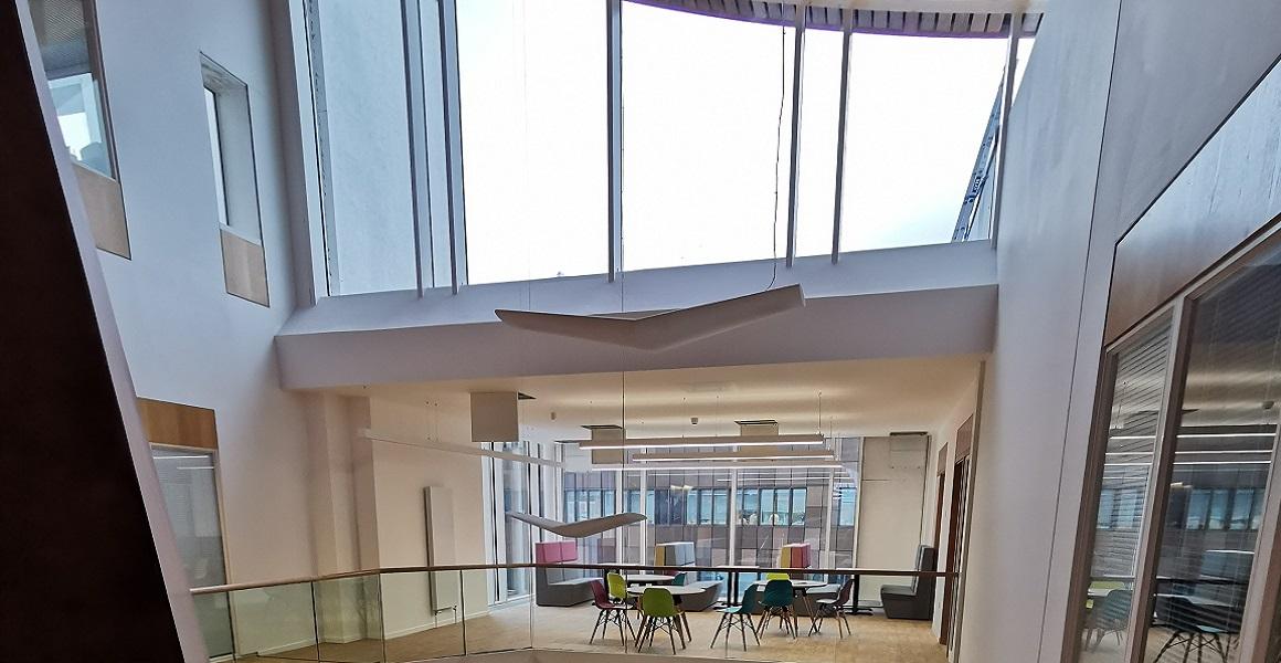 COLLEGE top floor